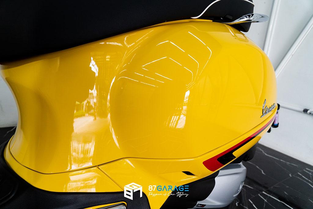 VESPA GTS Yellow