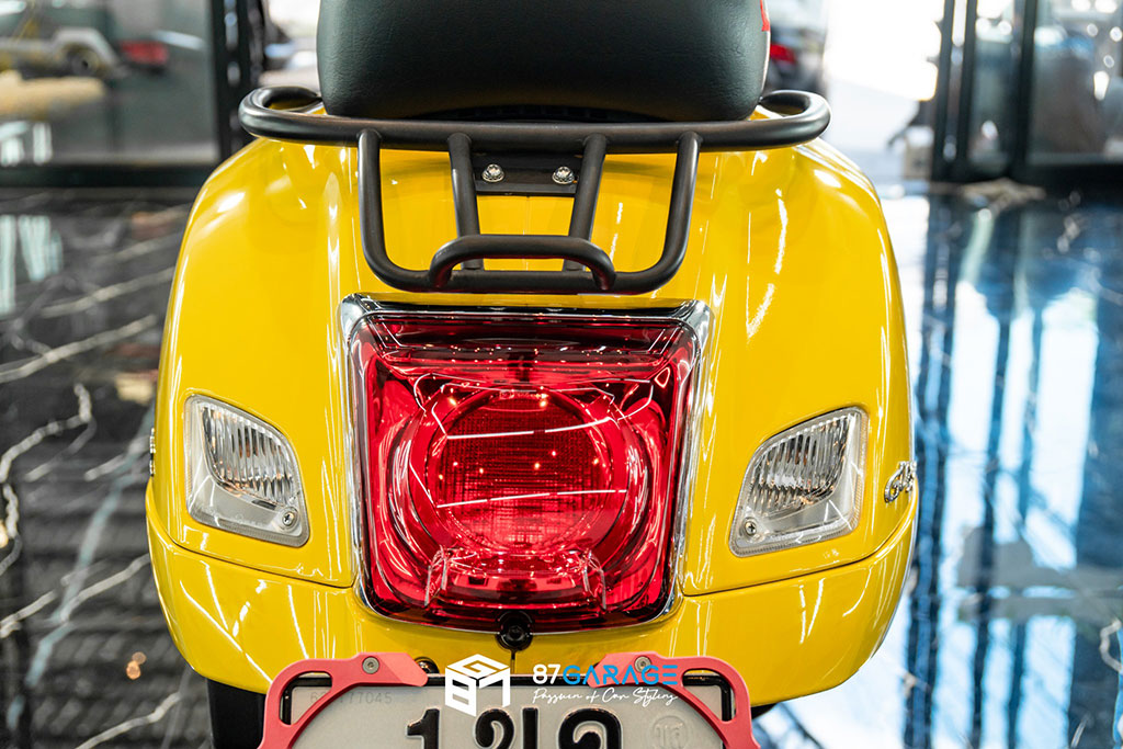 VESPA GTS Yellow No.2
